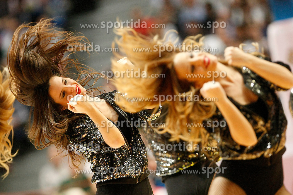 20.03.2014, Palacio de los Deportes, Madrid, ESP, Basketball EL, Real Madrid vs CSKA Moskau, Gruppe F, im Bild Real Madrid's cheerleaders // Real Madrid's cheerleaders during the group F Basketball Euroleague between Real Madrid and CSKA Moscow at the Palacio de los Deportes in Madrid, Spain on 2014/03/20. EXPA Pictures © 2014, PhotoCredit: EXPA/ Alterphotos/ Acero<br /> <br /> *****ATTENTION - OUT of ESP, SUI*****