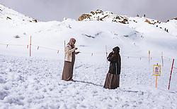 THEMENBILD - Arabische Touristen am Kitzsteinhorn, aufgenommen am 16. Juli 2019 in Kaprun, Österreich // Arab tourists at the Kitzsteinhorn, Kaprun, Austria on 2019/07/16. EXPA Pictures © 2019, PhotoCredit: EXPA/ JFK