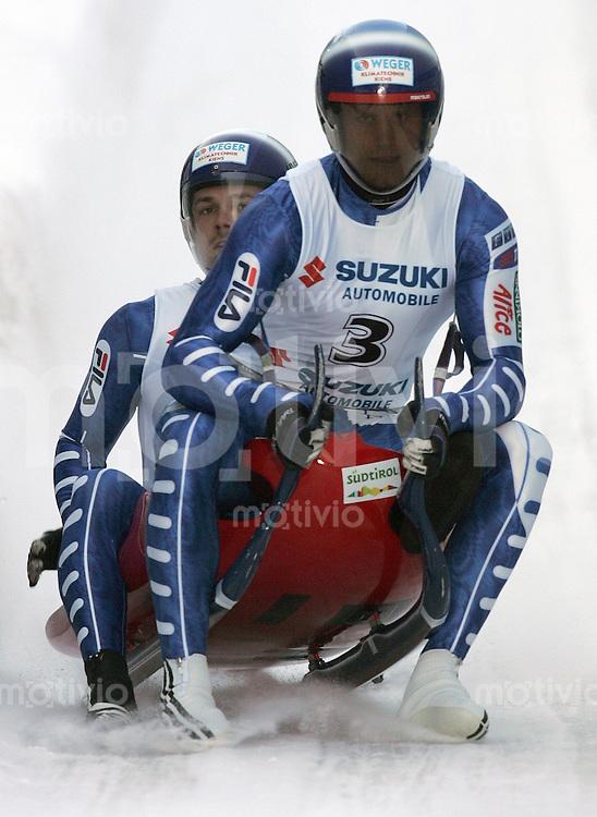 Oberhof , 270106 , Weltcup Rennrodeln  Christian Oberstolz und Patrick Gruber / ITA im Oberhofer Eiskanal