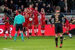 19-01-2018 NED: FC Utrecht - AZ Alkmaar, Utrecht<br /> eerste kans voor AZ maar het muurtje staat precies goed