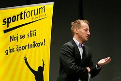 Tilen Trotovsek na okrogli mizi na 1. slovenskem hokejskem forumu v organizaciji SportForum Slovenija, November 30, 2011, Kristalna Palaca, BTC City, Ljubljana, Slovenija. (Photo By Matic Klansek Velej / Sportida)