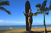 Duke Kahanamoku Statue, Waikiki, Oahu, Hawaii, USA<br />