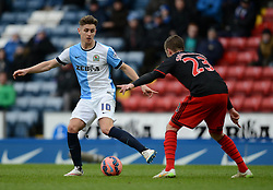 Blackburn Rovers's Tom Cairney competes with Swansea City's Gylfi Sigurdsson - Photo mandatory by-line: Richard Martin Roberts/JMP - Mobile: 07966 386802 - 24/01/2015 - SPORT - Football - Blackburn - Ewood Park - Blackburn Rovers v Swansea City - FA Cup Fourth Round