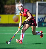 LAREN - Hockey -  Competitie Hoofdklasse Hockey dames : Laren-Oranje Rood (3-1). Yibbi Jansen (Oranje-Rood)  . COPYRIGHT KOEN SUYK