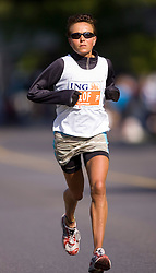 Ottawa, Ontario ---25/05/08--- Kristijna Loonen runs during the ING Ottawa Marathon, May 26, 2008..GEOFF ROBINS /