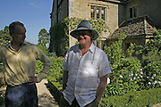 Napier Miles and Craig Brown, On form 06. Sculpture in Stone. Private view, Asthall Manor, Burford, 10 June 2006. ONE TIME USE ONLY - DO NOT ARCHIVE  © Copyright Photograph by Dafydd Jones 66 Stockwell Park Rd. London SW9 0DA Tel 020 7733 0108 www.dafjones.com