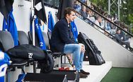 AMSTELVEEN -  geblesseerde Constantijn Jonker (kampong)   tijdens de  eerste finalewedstrijd van de play-offs om de landtitel in het Wagener Stadion, tussen Amsterdam en Kampong (1-1). Kampong wint de shoot outs.   COPYRIGHT KOEN SUYK