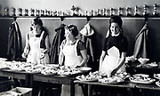 dish serving competition Holland 1950s