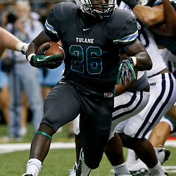 Aug 29, 2013; New Orleans, LA, USA; Tulane Green Wave running back Orleans Darkwa (26) against the Jackson State Tigers at the Mercedes-Benz Superdome. Tulane defeated Jackson State 34-7. Mandatory Credit: Derick E. Hingle-USA TODAY Sports