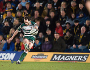 Wycombe, GREAT BRITAIN,   Tigers', Julien DUPUY, kicking to goal, during the Guinness Premiership rugby game, London Wasps vs Leicester Tigers at Adam's Park Stadium, Bucks, England, on Sun 15.02.2009. [Photo, Peter Spurrier/Intersport-images]