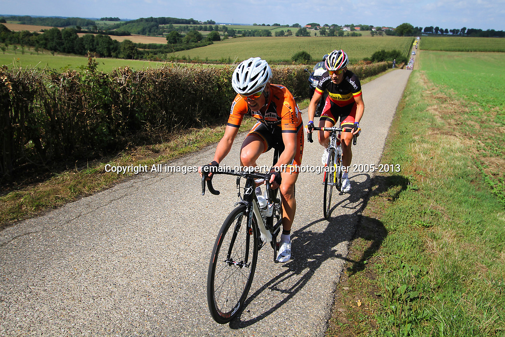 Boels Rental Ladies Tour Bunde-Valkenburg Marieke van Wanroij, Liesbet de Vocht in an attack