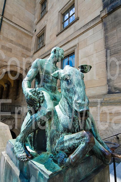 Neues Rathaus, Skulptur Bacchus auf trunkenem Esel von Georg Wrba, Dresden, Sachsen, Deutschland.|.New guildhall, sculpture Bacchus on drunken donkey by Georg Wrba, Dresden, Germany