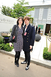 SOPHIE ELLIS-BEXTOR and RICHARD JONES at the RHS Chelsea Flower Show 2009 held inthe gardens of the Royal Hospital Chelsea on 18th May 2009.