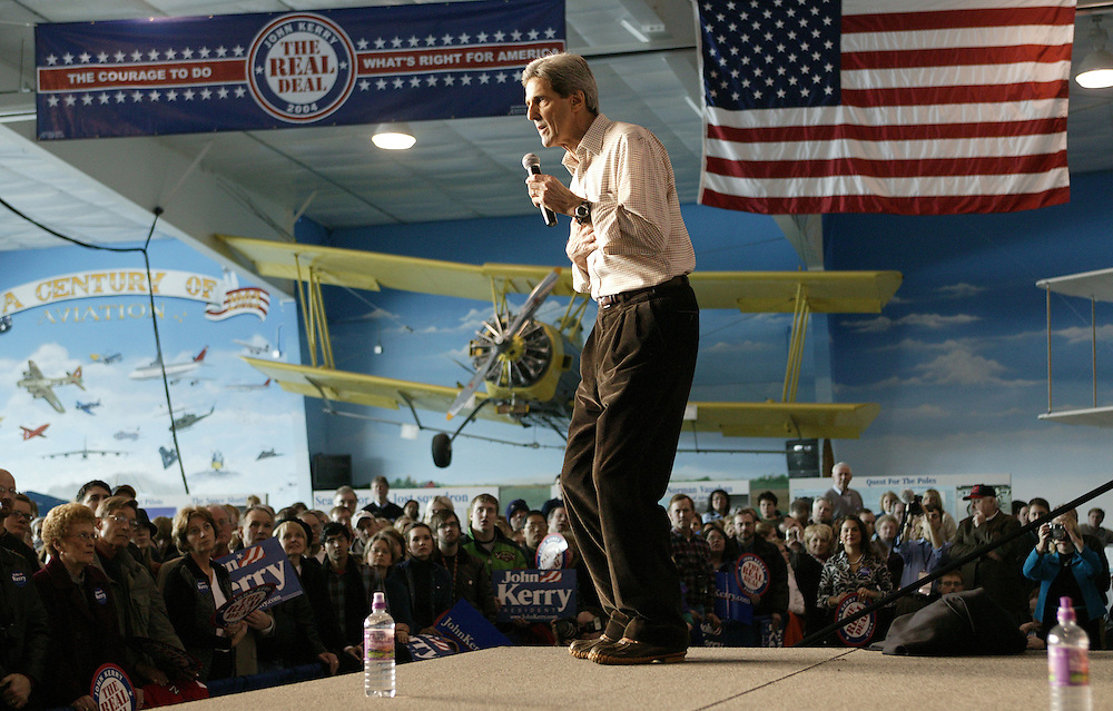 United States Senator and Democratic Presidential hopeful John Kerry speaks at a rally in Fargo, North Dakota. Sunday 01 February 2004. EPA PHOTO/ANDREW GOMBERT