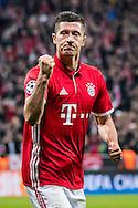 MUNCHEN, Bayern Munchen - PSV, 19-10-2016, voetbal, Champions League, seizoen 2016-2017, Allianz Arena Munchen, Bayern Munchen speler Robert Lewandowski heeft de 3-1 gescoord.