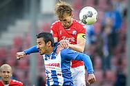 20-05-2017: Voetbal: FC Utrecht v SC Heerenveen: Utrecht<br /> <br /> (L-R) \aanvoerder FC Utrecht speler Willem Janssen torent boven Reza Ghoochannejhad (SC Heerenveen) uit tijdens het Eredivisie duel tussen FC Utrecht en Heerenveen op 20 mei 2017 in stadion Galgenwaard tijdens 1/2 finale play-offs <br /> <br /> 1/2 finale Play-offs, Eredivisie - Seizoen 2016 / 2017<br /> <br /> Foto: Gertjan Kooij