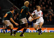 Twickenham, GREAT BRITAIN, Josh LEWSEY, looks for support, during the, Investec 2006 Rugby Challenge, England vs South Africa, at Twickenham Stadium, ENGLAND on Sat 25.11.2006. [Photo, Peter Spurrier/Intersport-images]
