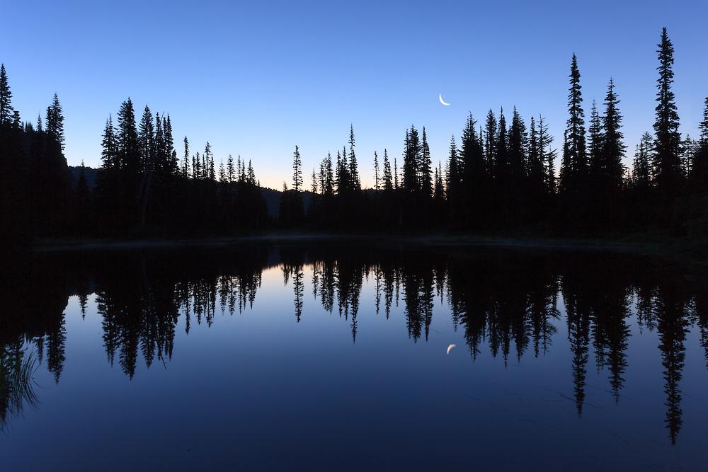 5:35 AM Moonset at Reflection Lakes
