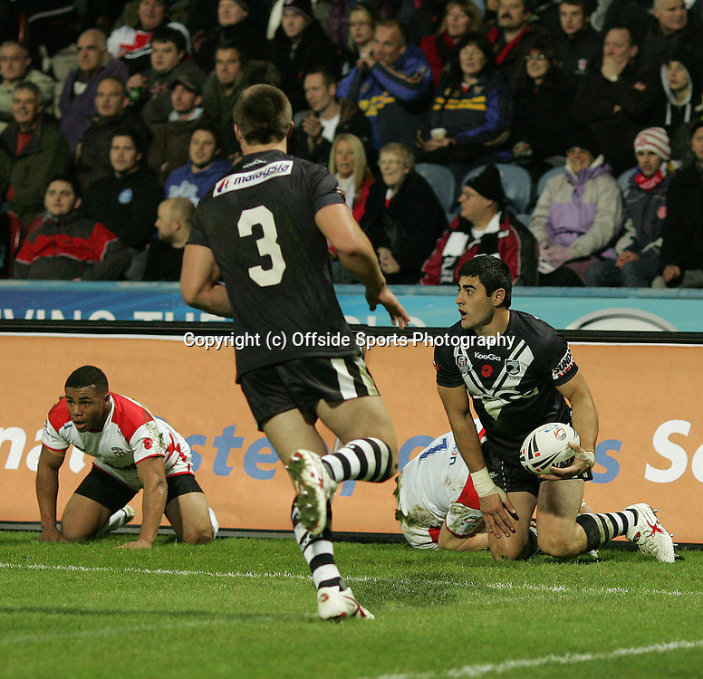 07/11/2009 Four Nations International Rugby League - England v New Zealand.<br />New Zealand's Bryson Goodwin scores a try against England.<br />Photo: Matt Roberts/Offside