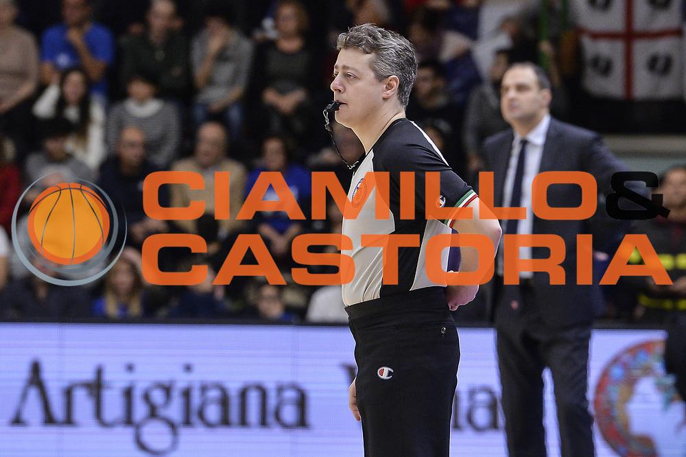 DESCRIZIONE : Beko Legabasket Serie A 2015- 2016 Dinamo Banco di Sardegna Sassari - Openjobmetis Varese<br /> GIOCATORE : Alessandro Martolini<br /> CATEGORIA : Arbitro Referee<br /> SQUADRA : AIAP<br /> EVENTO : Beko Legabasket Serie A 2015-2016<br /> GARA : Dinamo Banco di Sardegna Sassari - Openjobmetis Varese<br /> DATA : 07/02/2016<br /> SPORT : Pallacanestro <br /> AUTORE : Agenzia Ciamillo-Castoria/L.Canu