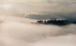 THEMENBILD, Nebellandschaft im Gegenlicht, aufgenommen in Saalfelden, Oesterreich am 11. Feber 2015 // Mist landscape in the backlight, Saalfelden, Austria on 2015/02/11. EXPA Pictures © 2015, PhotoCredit: EXPA/ JFK