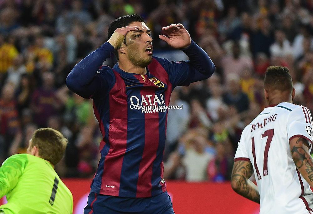 06.05.2015. Nou Camp, Barcelona, Spain, UEFA Champions League semi-final. Barcelona versus Bayern Munich.  Luis Suarez (FC Barcelona)see his shot saved by Neuer late in 1st half