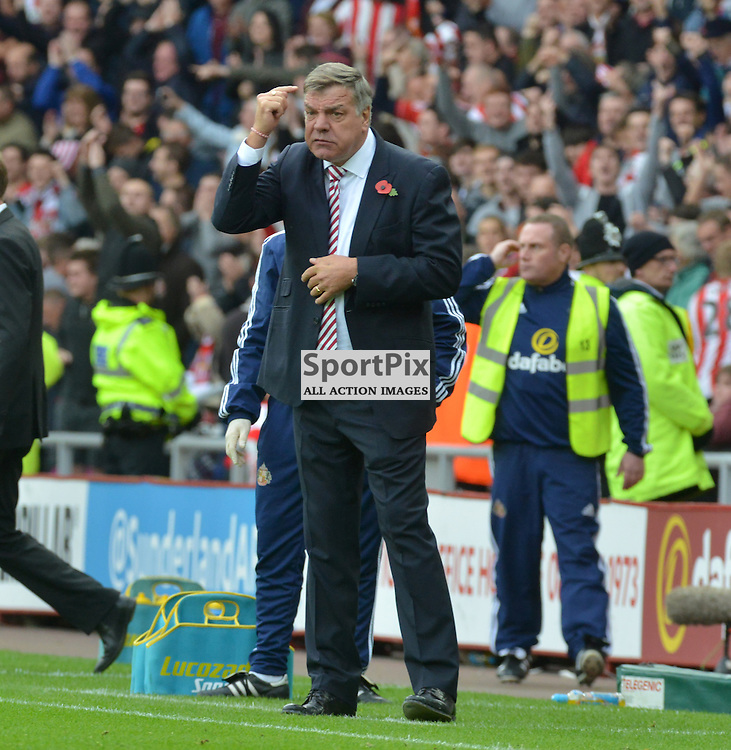 Screw the nut - Sunderland manager Sam Allardyce tells his players to screw the nut after his team opened the scoring against Newcastle......(c) BILLY WHITE   SportPix.org.uk