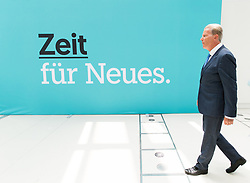 "01.07.2017, Design Center, Linz, AUT, ÖVP, 38. ordentlicher Bundesparteitag, mit Wahl von Bundesminister Kurz zum neuen Bundesparteiobmann, unter dem Motto ""Zeit für Neues - Zusammen neue Wege gehen"". im Bild ehemaliger Bundesparteiobmann Reinhold Mitterlehner // former Vice Chancellor of Austria Reinhold Mitterlehner during political convention of the Austrian People' s Party with election of Sebastian Kurz as the new party leader at Design Centre in Linz, Austria on 2017/07/01. EXPA Pictures © 2017, PhotoCredit: EXPA/ Michael Gruber"