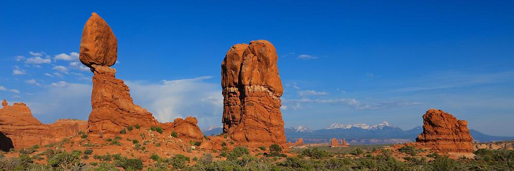 Balanced Rock Panaorama Arches National Park, Utah