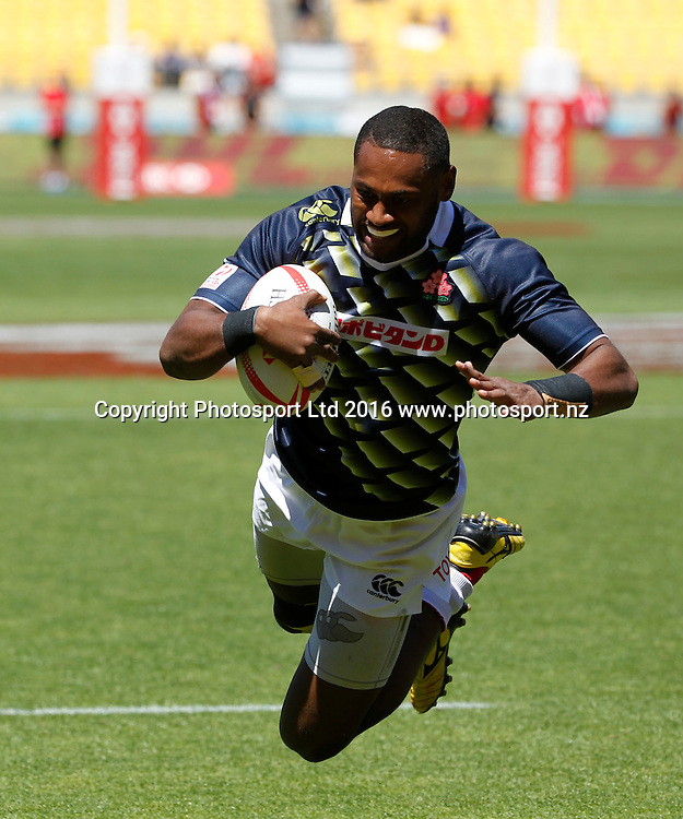 Japan's Lote Tuqiri dives over to score the match winning try against France, Finals Day, HSBC World Sevens Series, Westpac Stadium, Wellington, New Zealand. Sunday, 31 January, 2016. Copyright photo: John Cowpland / www.photosport.nz