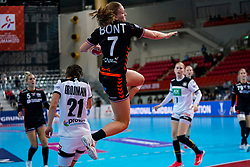 08-12-2019 JAP: Netherlands - Germany, Kumamoto<br /> First match Main Round Group1 at 24th IHF Women's Handball World Championship, Netherlands lost the first match against Germany with 23-25. / Debbie Bont #7 of Netherlands