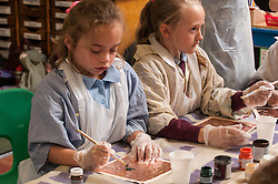 Primary school art lesson UK