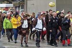 23.02.2017, Koeln, GER, Karneval, Weiberfastnacht, im Bild Jecken im Wind // during Women's Night of Cologne Carnival 2017. Koeln, Germany on 2017/02/23. EXPA Pictures © 2017, PhotoCredit: EXPA/ Eibner-Pressefoto/ Schueler<br /> <br /> *****ATTENTION - OUT of GER*****