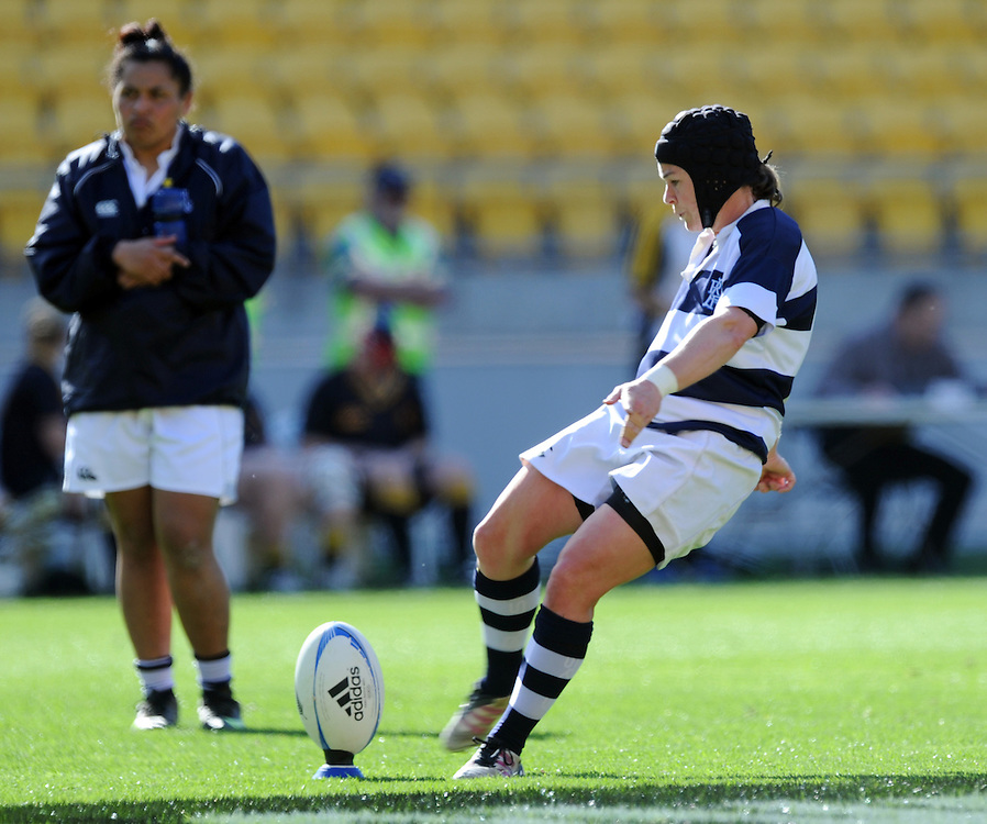 Auckland's Emma Jensen converts a try against Wewllington in the Provincial Women's Championship rugby match, Westpac Stadium, Wellington, New Zealand, Saturday, September 29, 2012. Credit:SNPA / Ross Setford