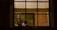 Nederland. Den Haag, 8 november 2007.<br /> Jan Peter Balkenende, minister-president, tijdens overleg op het ministerie van Algemene zaken. In zijn hand een blackberry, mobiele telefoon. Op het schilderij prins maurits. Vanavond is er het wekelijkse bewindsliedenoverleg. Vanmiddag hebben de coalitiepartijen vanhet vierde kabinet Balkenende onderhandelt over het ontslagrecht<br /> Foto Martijn Beekman <br /> NIET VOOR TROUW, AD, TELEGRAAF, NRC EN HET PAROOL