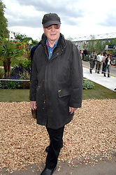 SIR MICHAEL CAINE at the 2008 Chelsea Flower Show 19th May 2008.<br /><br />NON EXCLUSIVE - WORLD RIGHTS