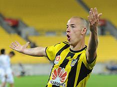 Wellington-Football, A-League, Phoenix v Melbourne Victory, January 18