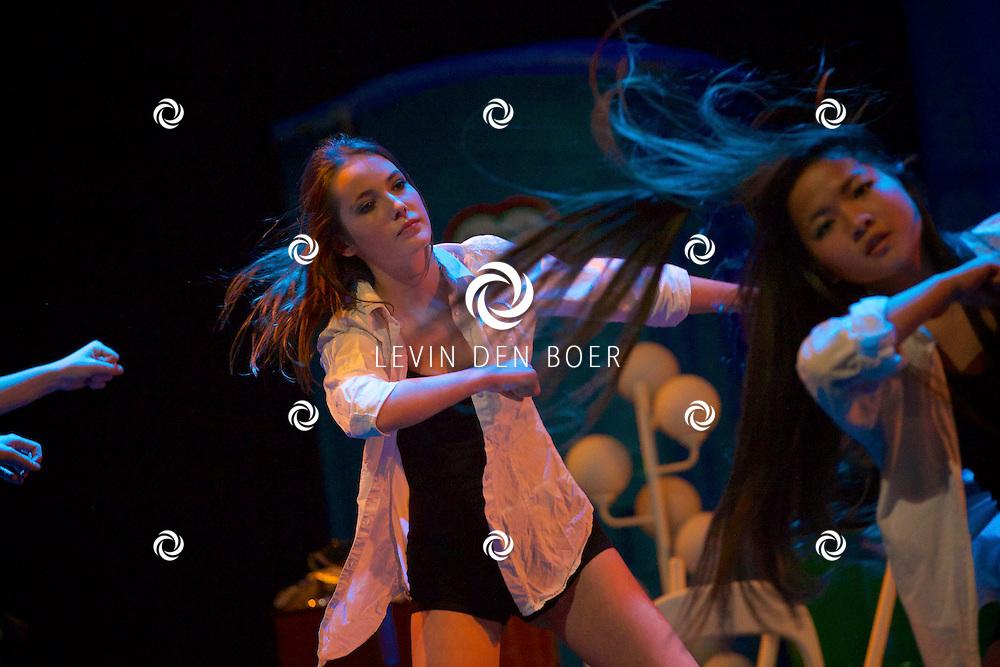 MISPELGAT - In theater Poorterij is weer de jaarlijkse Prinsenbal gehouden. FOTO LEVIN DEN BOER - PERSFOTO.NU