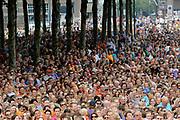 Nederlandse Olympische ploeg komt thuis en wordt gehuldigd op het plein voor Station Den Bosch.<br /> <br /> Op de foto:  Publiek