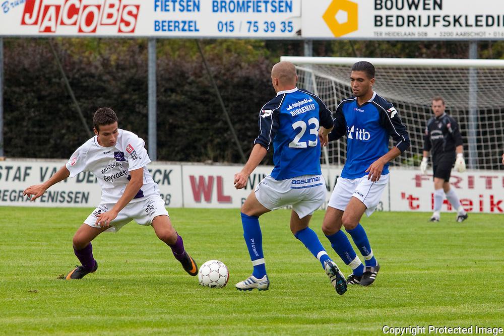 360408-Voetbal FC Heikant tegen Mariekerke-Melkouwensesteenweg Berlaar