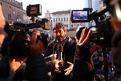 ROBERTO FICO<br /> COMIZIO MOVIMENTO 5 STELLE PIAZZA TRENTO TRIESTE