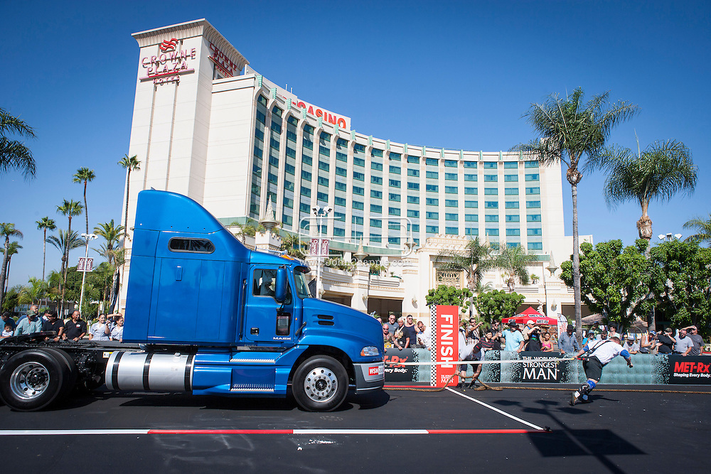 September 24, 2012. Commerce, California.  The 2012 MET-Rx World's Strongest Man competition, saw 30 international competitors battle it out, at the Commerce Casino in California, to win the ultimate strongman title...Photo John Chapple / © IMG Media Ltd..