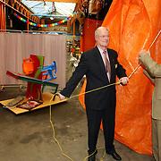 NLD/Zeist/20051011 - opening aanbrengcentrum Kringloopwinkel Zeist door de wethouder