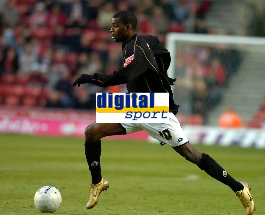 Photo: Alan Crowhurst.<br />Southampton v Milton Keynes Dons. The FA Cup.<br />07/01/2006. <br />Dons' Izale McLeod attacks.
