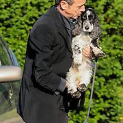 NLD/Bilthoven/20120618 - Uitvaart Will Hoebee, Hans van Barneveld en zijn hond