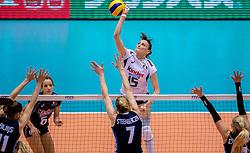 20-05-2016 JAP: OKT Italie - Nederland, Tokio<br /> De Nederlandse volleybalsters hebben een klinkende 3-0 overwinning geboekt op Italië, dat bij het OKT in Japan nog ongeslagen was. Het met veel zelfvertrouwen spelende Oranje zegevierde met 25-21, 25-21 en 25-14 / Antonella Del Core #15 of Italie