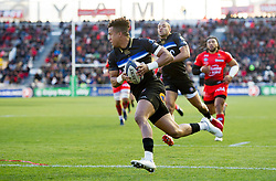 Anthony Watson of Bath Rugby scores the opening try of the match - Mandatory byline: Patrick Khachfe/JMP - 07966 386802 - 09/12/2017 - RUGBY UNION - Stade Mayol - Toulon, France - Toulon v Bath Rugby - European Rugby Champions Cup