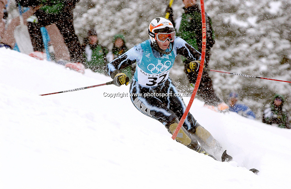 New Zealand's Claudia Riegler passing the gates on her first run which recorded a time of 55.17sec in the first and 56.02sec in the second in the womans slalom at Deer Valley, Winter Olympics, Salt Lake City in Utah, USA, 20 February, 2002. Photo: PHOTOSPORT<br />