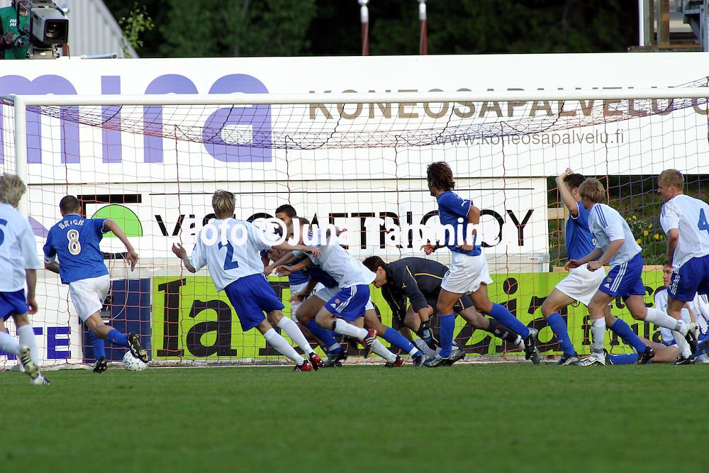 10.06.2003, Pohjola Stadion, Vantaa, Finland..UEFA Under-21 European Championship Qualifying match, Finland v Italy.Ruuhka Italian maalilla.©Juha Tamminen