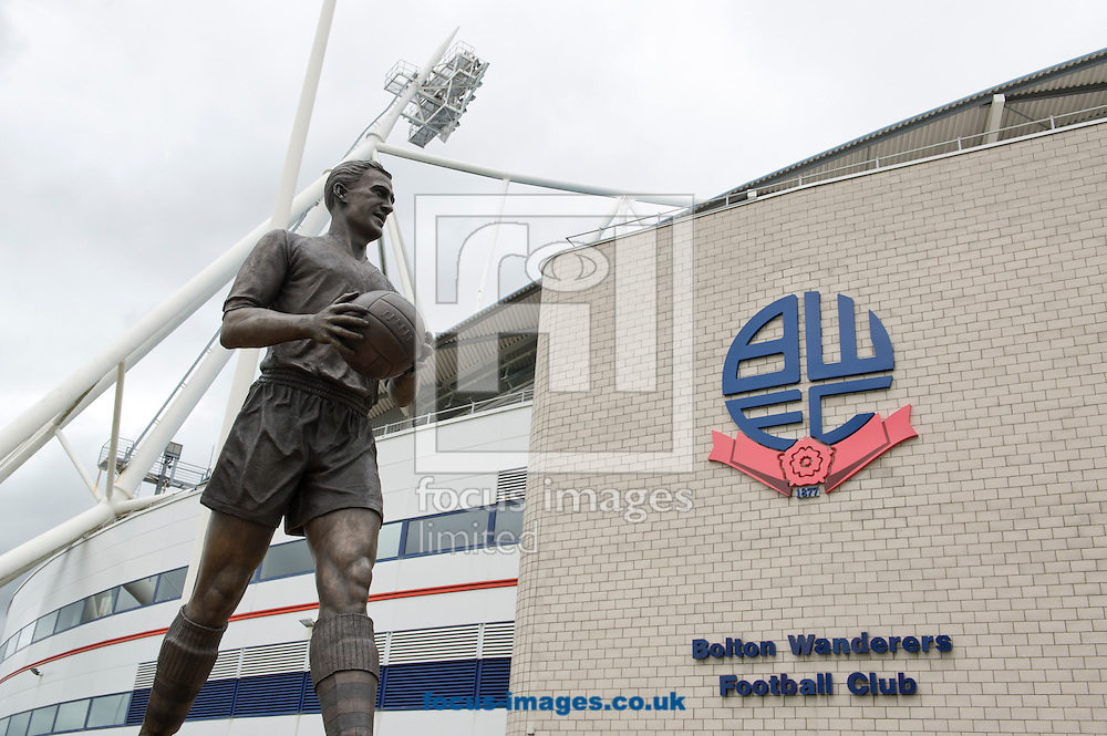 A general view of a statue of Nat Lofthouse before the Sky Bet Championship match at the Macron Stadium, Bolton<br /> Picture by Russell Hart/Focus Images Ltd 07791 688 420<br /> 16/08/2014